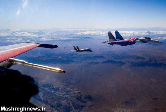 اف-14، رهگیر هوشیار ایران در حال همراهی فلانکر روسی