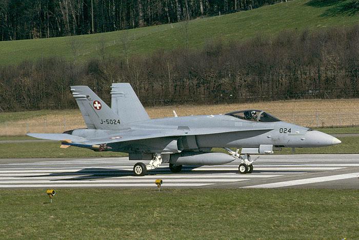 توضیح وزارت دفاع سوئیس درباره جنگنده گم شده