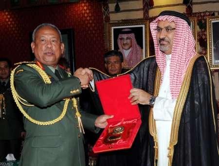 ۷۵ نظامی مالزی از عربستان مدال گرفتند