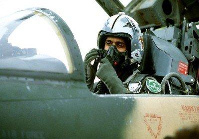 انتقاد احزاب انگلیسی از آموزش خلبانان سعودی