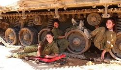 رسوایی اخلاقی نظامیان صهیونیست در داخل تانک