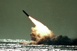 شلیک اشتباهی زیردریایی انگلیسی به سمت آمریکا