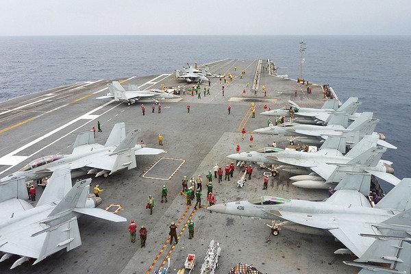 فرانسه، انگلیس وآمریکا تقابل با ایران را در خلیج فارس تمرین می کنند