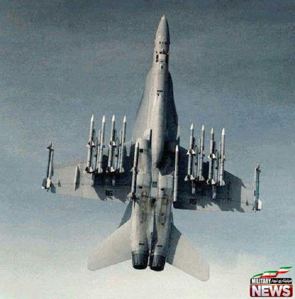 F/A-18 هورنت مجهز به ۱۲ تیر موشک هوا به هوا