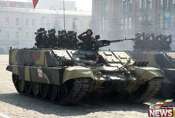 نفربر BMO-T و نیروی بیرون آمده از آن و آماده برای شلیک راکت Shmel
