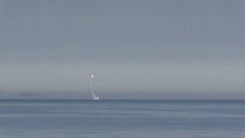آزمایش موشک کروز توسط زیردریایی روسی+عکس