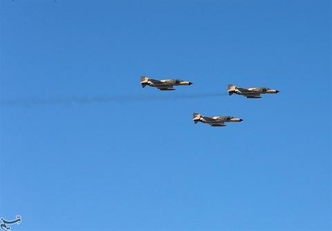 مانور جنگندههای ارتش در مرزهای غربی کشور