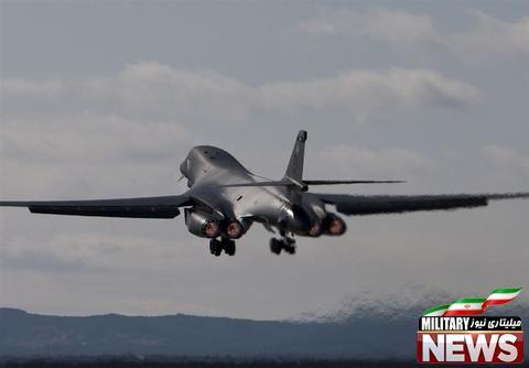 مانور جنگندههای ژاپنی و آمریکایی بر فراز دریای شرقی چین