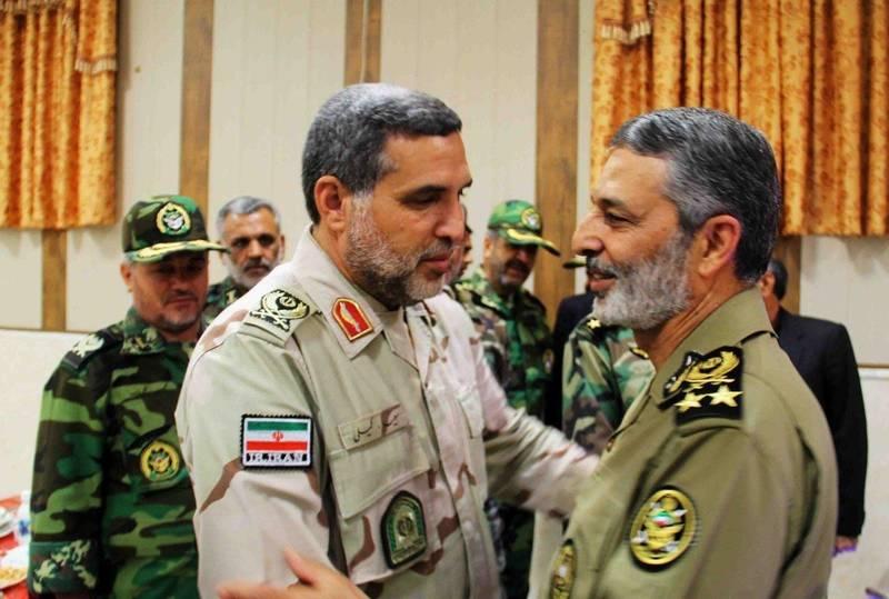 دیدار سرلشکر موسوی با فرماندهان نظامی سیستان و بلوچستان + تصاویر