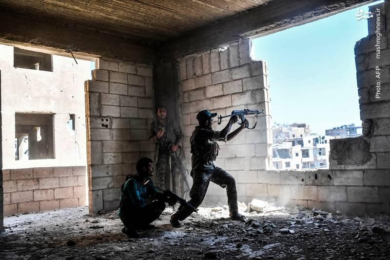 سربازان سوری در حال بازپسگیری بیمارستان مرکزی رقه از چنگ داعش