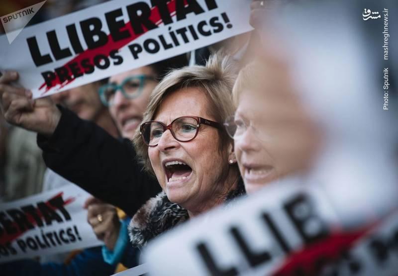 تداوم میتینگ استقلالطلبان در کاتالونیا اسپانیا