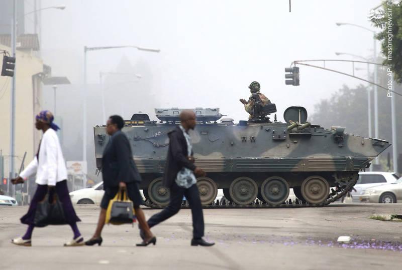 کودتای آرام در زیمبابوه با تسخیر پایتخت از سوی ارتش و بازداشت سران کشور، از جمله موگابه که حدود 30 سال بر این کشور حکم رانده است.