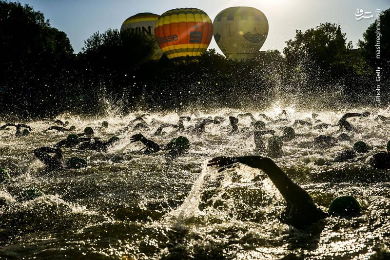رقابت شناگران در شهر روث آلمان