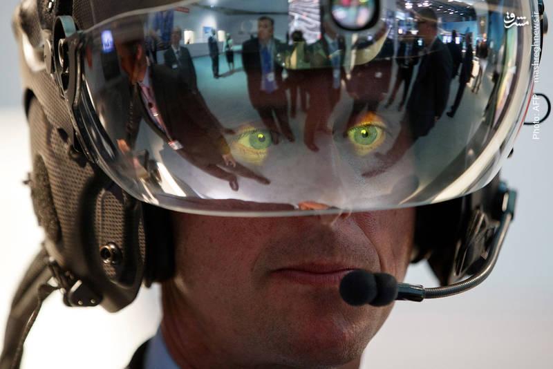 ارائه مجهزترین کلاه خلبان جنگنده در نمایشگاه صنایع هوایی لندن