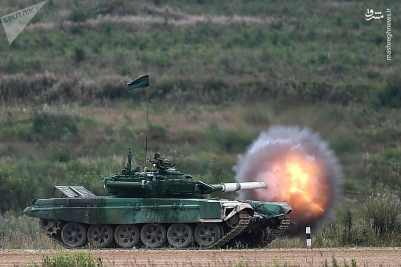 یک تانک از تیم ایران در مسابقات چندجانبه نیروهای نظامی که در نزدیک مسکو برگزار میشود.