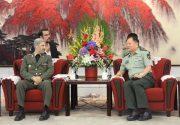 جزئیات سفر وزیر دفاع به چین از زبان یک نماینده