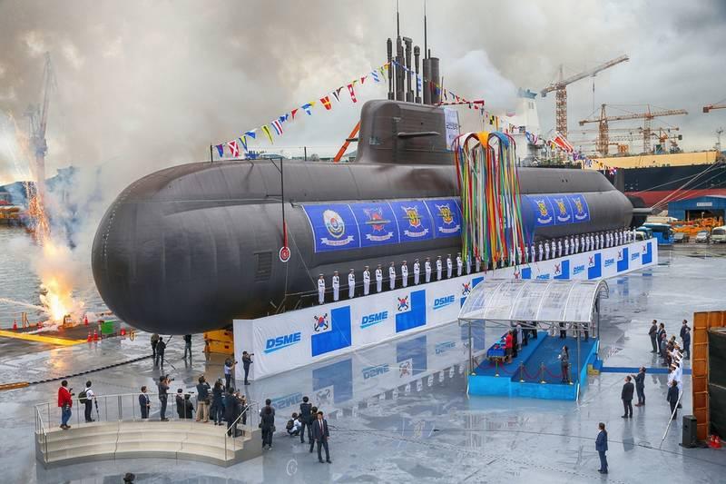 رونمایی از زیردریایی جدید کره جنوبی+عکس