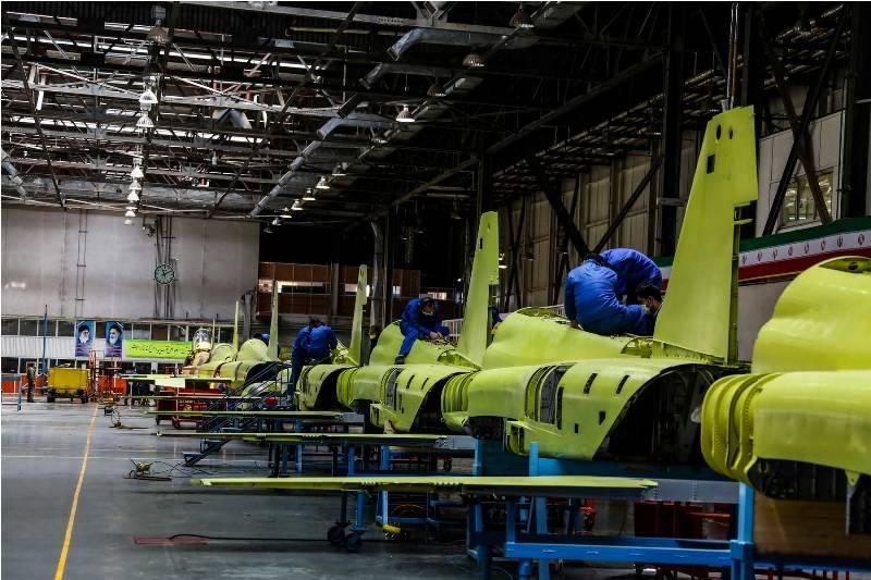 افتتاح خط تولید انبوه و تحویل دهی نخستین جت جنگنده تمام ایرانی کوثر به ارتش جمهوری اسلامی+عکس