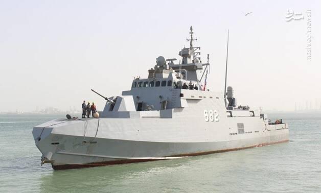 ورود ناوها و جنگنده های مصری به خلیج فارس+عکس